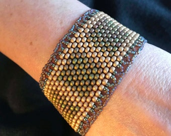 NO 187 Hand Beaded Glass Bracelet
