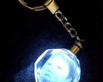 laser engraved photo hologram in crystal-glass keychain with lighting
