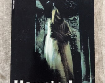 Haunted Houses Vintage Scholastic Paperback 1972 Bernhardt J. Hurwood - Out of Print!