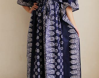 Breastfeeding dress, maternity caftan, hospital gown, Nursing night gown, maternity maxi dress, front zip gown, nursing pyjamas (Blu SB)