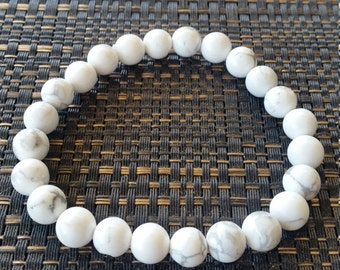 White and grey marbled bead bracelet