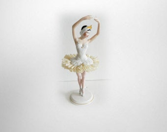 Franklin Mint figurine - Swan Lake - ballerina with lace skirt