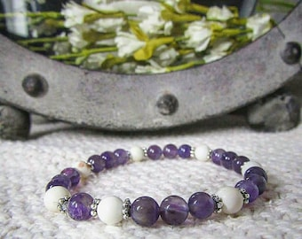 Peace - Bracelet - Amethyst - Howlite - semiprecious - handmade - elastic