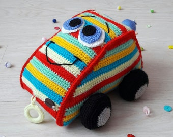 Knitted toy Jeep