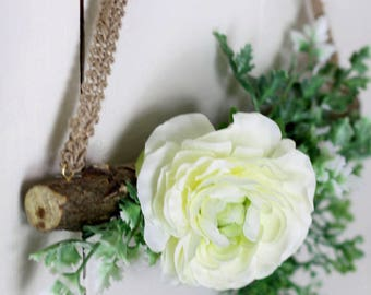 Wall flower ivory ornament