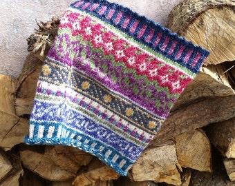 Hand knitted fairisle cowl.