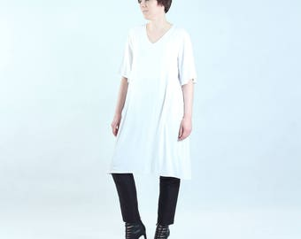 white tunic with wide short sleeves, fine jersey, oversize, loose cut