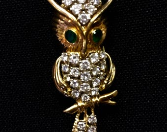 Owl Brooch with Emerald Eyes 18kt gold