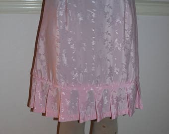 Women's Pink Pleated Skirt