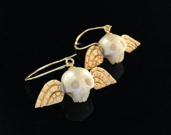 14K Gold Winged Pearl Skull Earring, momento mori, tombstone, New England