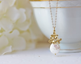 Pearl Flower Necklace Gold Wedding Jewelry Flower Pearl Pendant Bridesmaid's Necklace