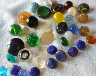 Lot of 37 ANTIQUE VINTAGE Small Glass & Shell BUTTONS  SG37