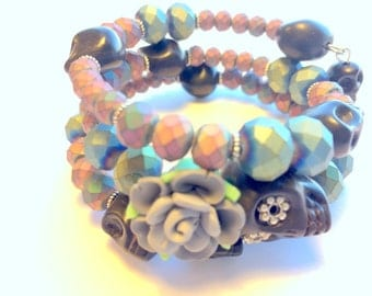 Black and Metallic Day of the Dead Sugar Skull and Rose Memory Wire Bracelet