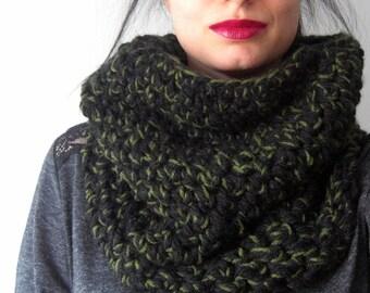 Army green and black cowl, Kaki and black cowl, black scarf, army green scarf, yarn accessories, yarn scarf, infinity scarf.