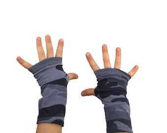 Kids Arm Warmers in Grey Camo - Camouflage Fingerless Gloves