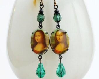 The Mona Lisa Cameo Earrings Fine Art Earrings Art History Jewelry Famous Oil Painting Jewelry Iconic Art Leonardo Da Vinci Vintage Crystal