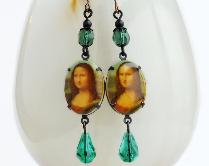 The Mona Lisa Cameo Earrings Fine Art Earrings Art History Jewelry Famous Oil Painting Jewelry Iconic Art Leonardo Da Vinci Vintage Crystal