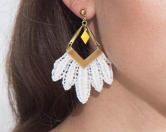 Lace earrings - FREE SPIRIT - White, black, burgundy or indigo lace with brass bars and yellow diamond shaped findings