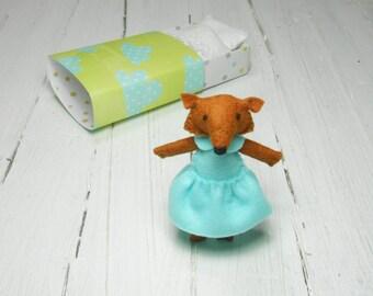 Felt fox felt kit fox in matchbox play set miniature fox stuffed animal woodland plush red fox hand made doll kids gift mint