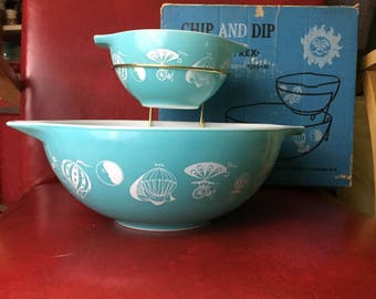 Vintage PYREX Chip and Dip Bowl Set with Turquoise Hot Air Balloons and ORIGINAL Box
