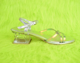 VTG y2K 90s Space Babe Holographic PVC Summer Spring Sandal Kitten Heel USA 6-6.5 Vintage 90s Shoes Rainbow Clear Glitter Silver