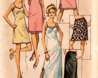1970s Womens Slip Pattern - Vintage Simplicity 9115 - Bust 32 1/2 UNCUT FF