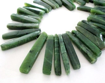 Natural Green Aventurine Beads - Spike Point Beads - Dagger Gemstone - Smooth Aventurine - Top Drilled Beads - 17 PCS - DIY Jewelry Making