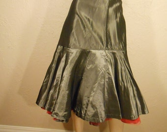 Draw Your Gun Pard'ner - Vintage 1950s Gunmetal Grey/Gray Nylon Red Mesh Layered Crinoline Petticoat