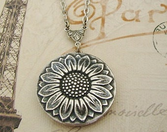 Silver Sunflower Locket Necklace Graduation Wife Sister Wedding Lockets Bride Bridesmaid Daughter Anniversary Pictures - Cami
