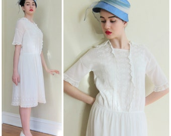 Vintage 1920s White Embroidered Tea Dress / 20s Cotton Day Dress with Lace / Medium