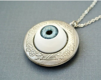 Lightblue Eyeball Locket, Eyeball Locket Necklace, Eyeball Photo Locket Jewelry, Halloween Jewelry Necklace, Halloween Locket