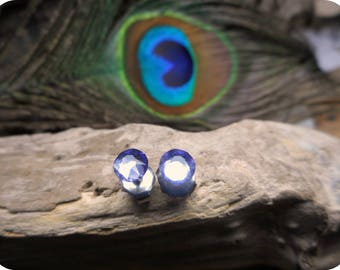 Little Sparklers© . Tanzanite Crystals and titanium post earrings. Darling petite crystal stud earrings. Hypoallergenic. Amethyst purple
