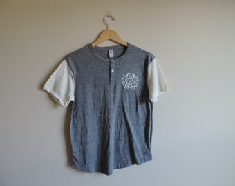 New Chi Omega Alternative Apparel Crest Henley Tee Short Sleeve Shirt // Size SMALL // Ready To Ship