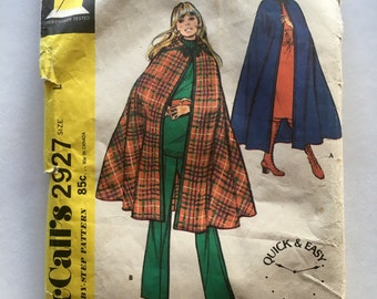 70s McCalls 2927 Cape with Hood - Size Large 16 18 Bust 38 40