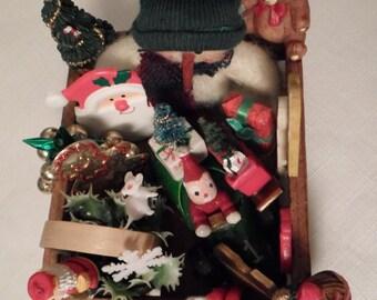 AMERICAN GIRL CHRISTMAS / Dollhouse Ornament Crate / Decoration / Snowman / Santa & Sleigh / Teddy Bear / Nutcracker / Miniatures / Diorama