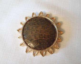 BROWN LEATHER BROOCH / Pin / Gold / Starburst / Sun / Modernist / Mod / Unique / Unisex / Chic / Retro / Classic / Traditional / Accessory