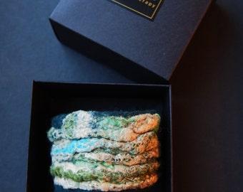 Aromatherapy bracelet, green beige bracelet, essential oil diffuser bracelet, wool felt, soft wool and silk, in a gift box