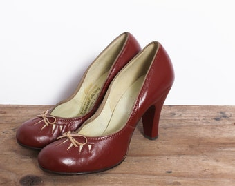 vintage 1950s 50s brown cinnamon heels with bows / heels with bows / cute heels