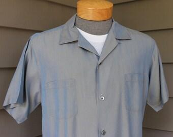 vintage 50's - 60's -Tommy Yamada- Men's short sleeve shirt with button loop collar. Blue Gold - Silk sharkskin. Medium - Large
