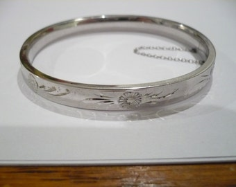 Vintage Sterling Silver Hinged Bangle Bracelet Etched Flowers Safety Chain A&Z 925