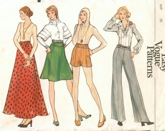 Super Uncut Vintage 1970s Vogue 8383 Very Easy Maxi or Regular Flared Skirt or Flared Wide Leg Pants or Shorts Sewing Pattern W26.5