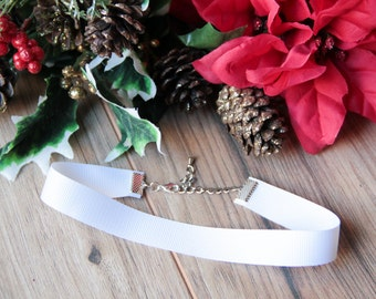 White wide ribbon choker necklace | Winter choker | White jewelry | Ribbon jewelry | Wedding bridal jewelry | Wide choker |