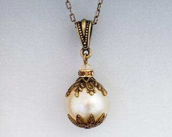 Cream Pearl Necklace, Cream Pendant, Filigree Pearl Jewelry, Off White Pearl Necklace, Ivory Pearl Pendant, Wedding Necklace Bridal (Adria)