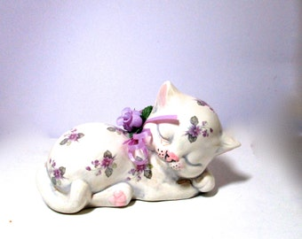 Sleeping China Cat Holland Mold Lavender Flower Motif  1970
