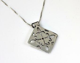 Fleur de Lis Silver Pendant