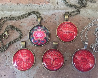 Norwegian Cabachon God Jul Rosemaling Necklaces