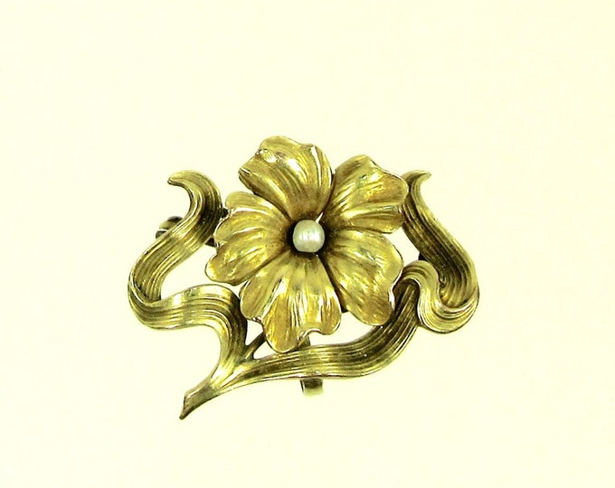 Yellow Gold Pearl Flower Pin; Watch Pin; Antique Watch Pin in Floral Design; Pearl Pin; Pearl Watch Pin; Flower Pin; Flower Watch Pin