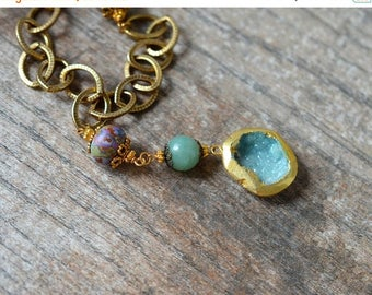 ON SALE Boho green druzy pendant Gold edged druzy necklace Raw crystal drusy druzy geode Chunky antique brass chain necklace with lampwork g