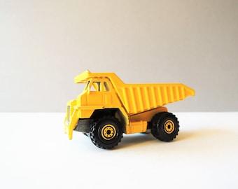 Vintage Hot Wheels Dump Truck, Collectible Diecast Toy Car, 1970s Diecast Truck, Mattel Diecast Toy, Yellow Dump Truck, Mattel Malaysia Toy