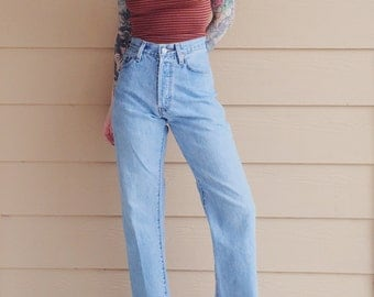 Retro Levi's 501 Light Wash Button Fly Ankle Crop High Waisted Mom Jeans // Women's 10 11 30 Large L